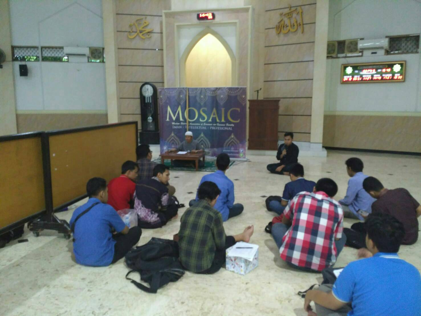 Kajian Rabu Sore MOSAIC FEB UNAIR